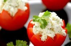 Tomates rellenos >>>> http://www.srecepty.es/tomates-rellenos #Recipe #Food #Dinner