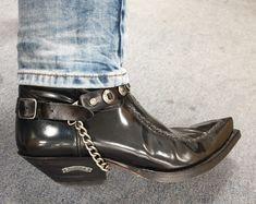 Best Cowboy Boots, Custom Cowboy Boots, Western Boots, Brave Kids, Beard Boy, Hot Cops, Look Man, Mens Boots Fashion, Ferrets