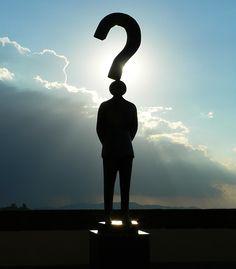 도로시 리즈가 말하는 질문의 힘 7가지    하나, 질문을 하면 답이 나온다.    둘, 질문은 생각을 자극한다.    셋, 질문을 하면 정보를 얻는다.   넷, 질문을 하면 통제가 된다.   다섯, 질문은 마음을 열게 한다.   여섯, 질문은 귀를 기울이게 한다.   일곱, 질문에 답하면 스스로 설득이 된다.