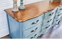 How to Blend Chalk Paint Like a Pro | Dresser Makeover - Thrifted Nest Chalk Paint Wardrobe, Painted Wardrobe, Chalk Paint Dresser, Blue Chalk Paint, Dresser Refinish, Chalk Paint Furniture, Refinished Dressers, Dresser Furniture, Modern Furniture