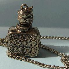 Antique Style Retro Opening Poison Bottle Necklace Jewelery Pendant