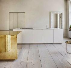 Brass cube in the kitchen by Claesson Koivisto Rune: http://www.leuchtend-grau.de/2014/12/Messing-rockt-das-Interior.html