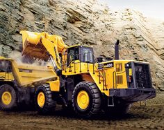 Komatsu wheel loader WA600-6 and off-highway mechanical truck HD605