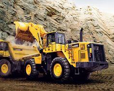 Komatsu wheel loader WA600-6 and off-highway mechanical truck HD605