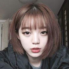 ☾Short hair with bangs☽