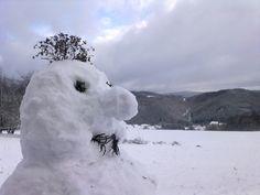 Auf der Hohen Acht, dem höchsten Berg der Eifel, lag zentimetertiefer Schnee.