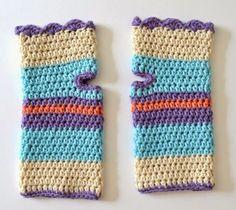 my world of wool: tutorial how to make crochet fingerless mitts