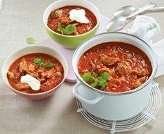 Gyros cumpre a sopa de tomate: esta sopa é o prato ideal para festas, para . Supper Recipes, Healthy Dinner Recipes, Soup Kitchen, Evening Meals, Nutritious Meals, Popular Recipes, Grilling Recipes, Soups And Stews, Carne