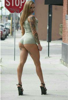 amateur coed nude ass