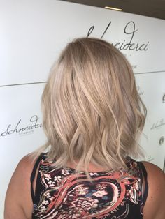 Highlights Blonde Hair, Highlights, Long Hair Styles, Beauty, Hairdressers, Dressmaking, Yellow Hair, Long Hairstyle, Luminizer