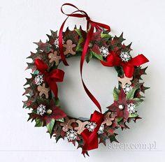 Wianek Bożonarodzeniowy ozdobiony papierami Christmas Is Coming, Christmas 2014, All Things Christmas, Christmas Ideas, Christmas Paper, Christmas Wreaths, Christmas Crafts, Deco Wreaths, Paper Wreaths