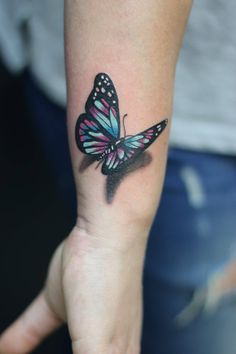 Butterfly Tattoo collection - List of the most beautiful tattoo models Realistic Butterfly Tattoo, Butterfly Tattoo Cover Up, Butterfly Tattoo On Shoulder, Butterfly Tattoos For Women, Butterfly Tattoo Designs, Butterfly Tattoo Meaning, Tattoos For Women Small, Small Tattoos, Colorful Butterfly Tattoo