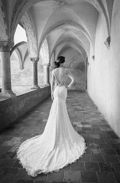 STAR www.alessandrarinaudo.it #nicolespose #weddingdress #hautecouture