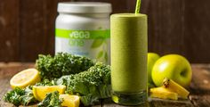 An apple a day… well, you know the rest. Get your daily apple fix with this nutrient-dense green smoothie.