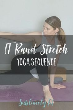 This free yoga video is full of IT band stretches! The yoga poses in this yoga sequence will help you stretch and lengthen your IT band and outer thigh and hip. Bikram Yoga, Ashtanga Yoga, Vinyasa Yoga, Yin Yoga, Yoga 1, Kundalini Yoga, It Band Stretches, Stretches For Runners, Yoga For Runners