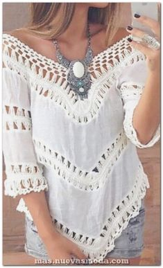 Boho-Style V-Neck Top- With Inverted V Shaped Hem, boho fashion, hippie style, bohemian style Hippie Style, Gypsy Style, Hippie Boho, Bohemian Style, Bohemian Fashion, Boho Gypsy, Modern Hippie, Bohemian Jewelry, Bohemian Shirt