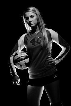 Senior photo idea: including your favorite sport #volleyball #senioryear #graduation