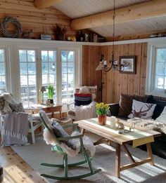 Modern Cabin Interior, Summer Cabins, Cottage Interiors, Home Organization, Sweet Home, House Ideas, House Design, Living Room, Outdoor Decor