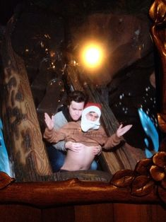 The Grope   Community Post: 19 Hilarious Pictures Of People Posing On Splash Mountain