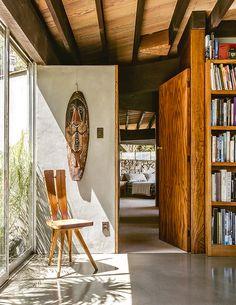 Harpel House / John Lautner Photos © Casa Vogue - Fragments of architecture John Lautner, Mid Century Decor, Mid Century House, Interior Architecture, Interior And Exterior, Modern Interior, Style Californien, Modernisme, Midcentury Modern