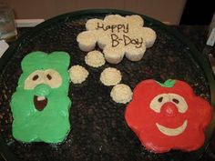 @Alicia T Chiodo Its a pull apart cupcake cake.....and its veggie tales! So amazing haha