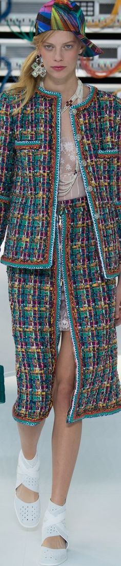 Chanel SS 2017 Fashion Show details & more