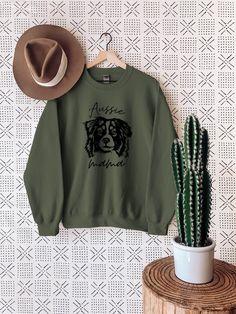 Dog lover sweashirt that fits great on womens jeans, leggings, skirt Mama Shirts, Sharp Prints, Dog Mom Shirt, Funny Graphic Tees, Sweatshirt Outfit, Australian Shepherd, Beagle, Corgi, Types Of Shirts