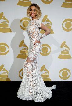 #Beyonce debuts post-#vegan diet figure at Sunday Night's #Grammy Awards...