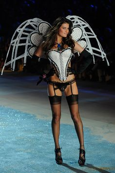 Victoria's Secret Fashion Show 2012 - We're glad Isabeli Fontana's back in the VS runway! :)