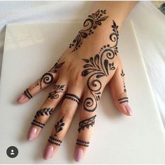 50 Most Beautiful Looking Kuwait Mehndi Design (Kuwait Henna Design) that you can apply on your Beautiful Hand. Henna Tattoo Designs Simple, Henna Art Designs, Mehndi Designs For Fingers, Latest Mehndi Designs, Finger Henna Designs, Henna Tattoos, Henna Tattoo Hand, Mandala Tattoo, Henna On Hand