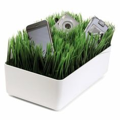 Grassy Charging Station by Kikkerland.
