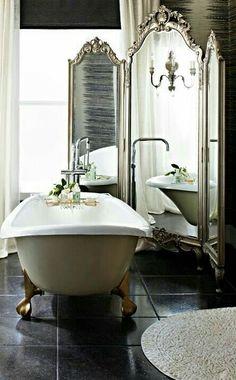 Victorian bathroom inspiration | claw foot tub | mirror