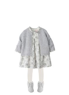 Continue to make your young one seem like a ballet during these lovely and colorful baby girl dresses. Cute Kids Fashion, Little Boy Fashion, Baby Girl Fashion, French Baby Clothes, Winter Baby Clothes, Baby Winter, Baby Girl Shoes, Baby Girl Dresses, Trendy Outfits