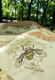 A new project from the Urban Threads lab, featuring a gorgeous quilt with new Entomology inspired embroidery designs. Includes a FREE pdf pattern to make your own.