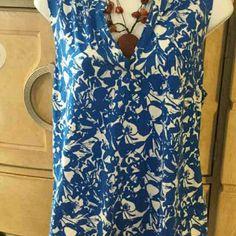 Liz Claiborne  design  ladies tops Open v nevk,60% cotton, 40% modal  blue print blouse Liz Claiborne Tops Blouses