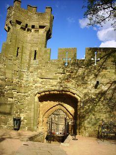 Warwick castle - gate