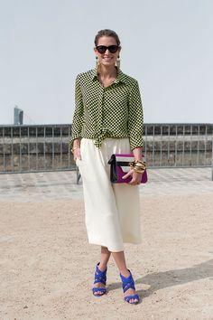 Street style moda en la calle tendencias faldas midi | Galería de fotos 22 de 33 | VOGUE