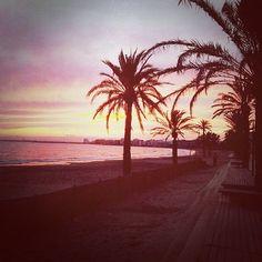 Burning #sunset over Roses... Come feel the freedom! #VisitRoses #inCostaBrava #seaside #freedom #holiday #vacation