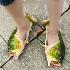 Buy Creative Fashion Lifelike Fish Funny Slippers Flat Sandals Leisure Beach Slippers Parenting Slipper Couple Shoes Men Women Children Shoes Summer Fashion at Wish - Shopping Made Fun Fish Flip Flops, Bling Flip Flops, Funny Slippers, Mens Slippers, Gros Bide, Funny Shoes, Slipper Sandals, Beach Shoes, Crazy Shoes