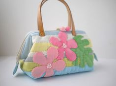 Patchwork Bags, Quilted Bag, Applique Patterns, Applique Designs, Hawaii Pattern, Hawaiian Quilts, House Quilts, Tote Purse, Purses And Bags