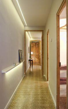 Piso amueblado de dos dormitorios en el Eixample | Monapart Pent House, Stairs, Home And Garden, Central Park, Furniture, Nest, Home Decor, Yurts, Mexican Style