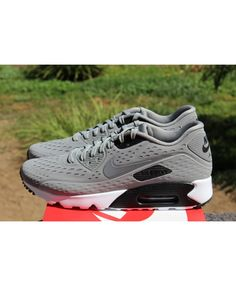online retailer 85638 dc95e Nike Air Max 90 Ultra Br Grey Trainers Sale UK