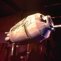 Use of pods is usually restricted only to organic lifeforms - not droids. #StarWars #BehindTheScenes #props