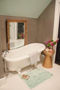 Bathroom Goes Glam with Glitter! | Kara Paslay Design