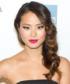 Cat eyes on Jamie Chung http://primped.ninemsn.com.au/how-tos/makeup-how-tos/how-to-jamie-chungs-textured-curls-and-flawless-skin