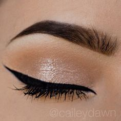 Only 2 eyeshadows, and it's drugstore! Milani Bella Cappuccino in the crease and Bella Champagne on the lid. Black liquid eyeliner by nyc @caileydawn