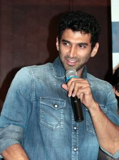 A beautiful picture of Aditya Roy Kapoor 02 downloaded from http://alliswall.com