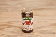 Erdbeermarmelade ohne Zuckerzusatz von Follain, Follain ist einer der bekanntesten und beliebtesten Produzenten und stellt seine Marmeladen aus 100% natürlichen Zutaten nach alten irischen Rezepten her, ohne Geschmacks- Farb- und Konservierungsstoffe. Die Marmeladen werden für maximale Frische in hochwertigen Gläsern vakuumverpackt. Die Firma ist im Zentrum des landwirtschaftlich geprägten West Cork ansässig, die Qualität ist die von hausgemachten Produkten.