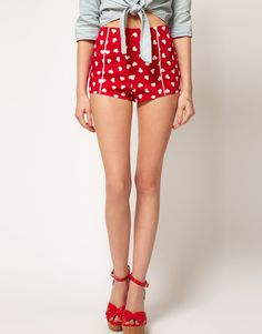 Browse online for the newest ASOS Hot Pants In Heart Print styles. Sexy Shorts, Skinny Shorts, Short Shorts, Cut Shorts, Retro Shorts, Look Fashion, Retro Fashion, Vintage Fashion, Womens Fashion