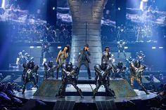 Cirque du Soleil Michael Jackson: Immortal World Tour - Thriller